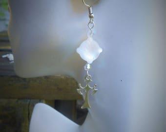 Cross earrings, pearl earrings, white earrings, mother of pearl earrings, cross earring, cross jewelry,pearl earring,mother of pearl earring