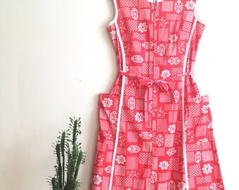60s Step N Go red and white midi dress floral print cotton summer dress, front zipper, fabric belt. size large