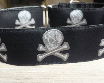 """1.5"""" Wide Martingale Collar, Skulls, Silver, Black and White"""