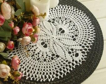 Oval crochet doily White cotton crochet doily Table runner Cotton lace doilie 412