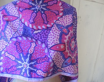 Vintage 1970s scarf polyester abstract mod purple pink 13 x 44 inches