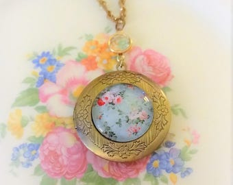 Vintage Roses Locket Necklace, Mori Girl Locket, Shabby Chic Pendant, Rose Locket Necklace, Assemblage Necklace, Victorian Necklace