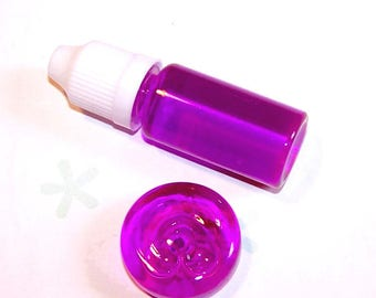 10 ml bottle of liquid glass to fill clear MAGENTA
