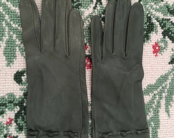 Vintage Green Leather Gloves Driving Theatre Church Wedding Reenactment Prop size 6 3/4