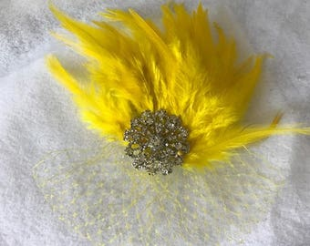 Yellow Wedding Hair Clip, yellow Fascinator, yellow Feather Headband, Yellow Feather Hair Clip, yellow Wedding Accessories, Gifts for her