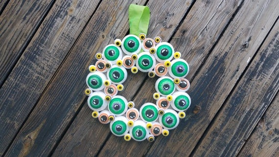 Halloween Wreath, Eyeball Wreath, Eyeball Halloween Wreath, Eyeball Decor, Halloween Decor