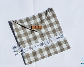 flat clutch cotton snap closure wrap