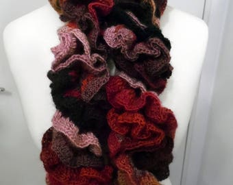 Handmade - scarf in wool and acrylic RUFFLED crochet