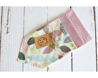Set of 3 handkerchiefs in organic cotton pink range: a polka dot pastel leaves, a plain, zero waste, eco-friendly and economical.