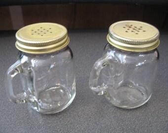 Vintage Glass Mug Salt & Pepper Shakers With Handles and Goldtone Screw Top Lids