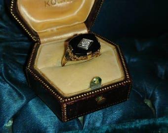 Antique Onyx and Diamond Filigree Yellow Gold Ring