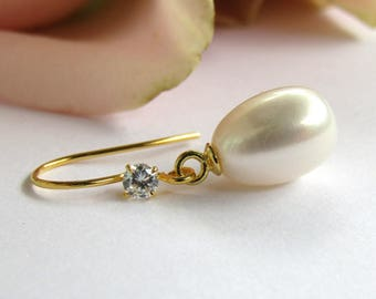 Gold Bridal Earrings, Freshwater Pearl Bridal Earrings, Teardrop Pearl Earrings, Wedding Jewelry, white CZ , stud earrings