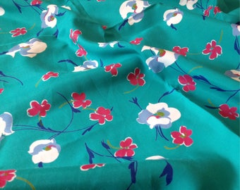 Floral vintage fabric retro  large  UK seller