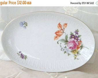 Summer Sale Henneberg Porzellan Oval Porcelain Floral Plate, Vintage Item from the 1970s, Made in the GDR, German Democratic Republic,