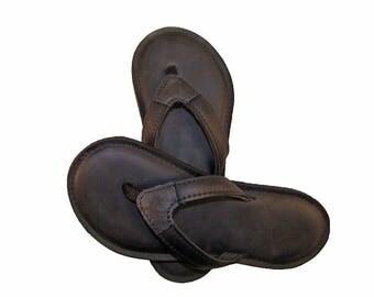 de Leon Black Flip Flops for women
