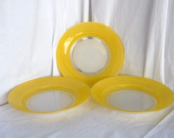 Duralex, dinner plates, dishes, in yellow and white tempered glass yellow, set of 3