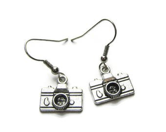 Camera Earrings, Camera Charm Earrings, Photographer Earrings, Earrings For Photographer, Camera Jewelry, Photographer Gift