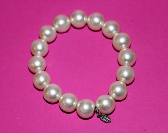 Beautiful Large Faux Pearl Bracelet