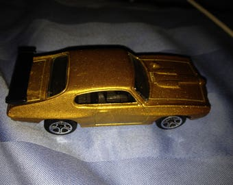 Hot Wheels 70 Pontiac GTO  (box 1)