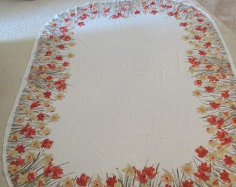 Vintage VERA tablecloth and napkins