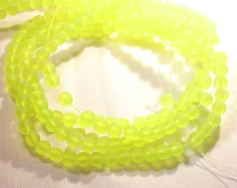 25 neon 4 mm Frosted Yellow round beads