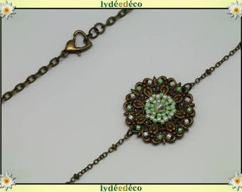 Vintage flower headband print and green glass beads white luminous bronze