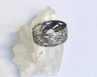 antique sterling cut-out band, size 7