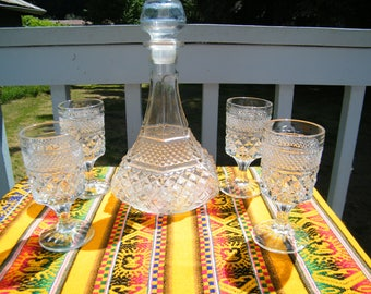 Wexford Crystal Decanter and Goblets, Vintage Stemmed glasses, 8 ounce capacity in classic pattern Anchor Hocking stemware
