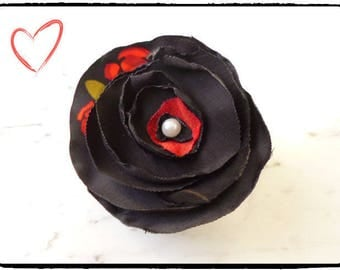 Brooch/hair clip in red/black fabric - satin / voile - petal flower black red - vintage retro pinup