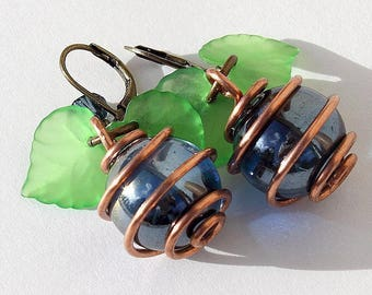 "Bronze earrings with glass beads blue wire-wrapped in a spiral of copper and indigo Crystal bicone ""Zébula"""