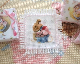 dollhouse  mouse embroidered beatrix potter mouse beaded runner table mat 12th scale miniature