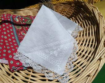 Delicate Vintage Floral Lacy White Cotton Handkerchief Lace Trim Unused Large French Fabric Tissue Pocket Square Bridal #sophieladydeparis