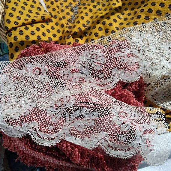 3 Yards Large Antique French Floral Lace Off White Cotton Unused Sewing Project Bridal Lace Collectible #sophieladydeparis