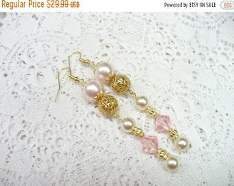10% OFF SALE OOAK Vintage Pink/Ivory Pearl/ Pink Crystal Earrings - vintage Wedding- vintage Bridesmaid- Pink/Ivory Faux pearl- Gold tone da