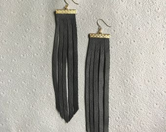 black leather fringe earrings <LONG>