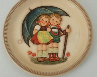 M J Hummel  1975 Plate Stormy  Weather  First  Edition
