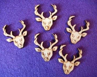 5 deer heads, wood, 2.5 x 3 cm  (10-0015A)