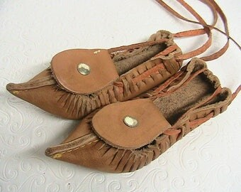 Leather Moccasins, Leather Pointed Toe Moccasins, Hand Made Leather Shoes, Small Leather Shoes