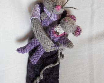 cuddly Daddy mouse long legs and her baby knitting pattern