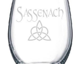 Sassenach Dinna Fash Outlander Theme Claire Diana Gabaldon Wine Drinking Glass Gift Dragonfly in Amber Book Series