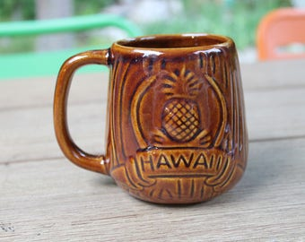 "Vintage Hawaii Souviner Personalized ""Luike Louise"" Brown Pineapple Mug"