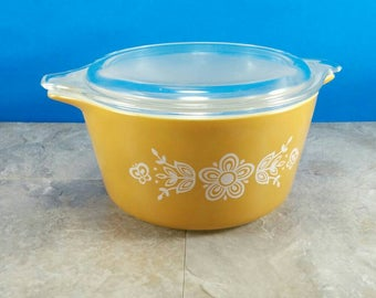 Vintage Pyrex Butterfly Gold - 1 Quart Covered Baking Dish - Gold with White Flowers and Butterflies