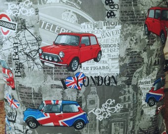 London themed cushions. With new MINI and Classic Minis.45 x45 cm. With pad insert. Red blue or black on the reverse side. You choose.