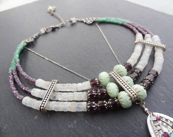 Necklace Pearl, Moon stone and glass