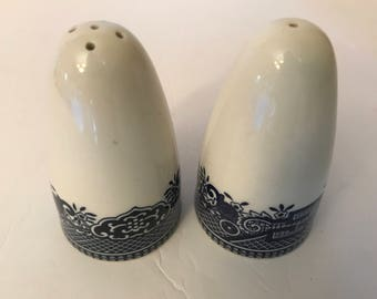 Vintage Churchill Blue Willow Blue and White Salt and Pepper Shakers- Great condition