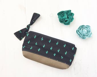 Cactus Print Make Up Bag, leather bottom Zipper Pouch, Womens Pouch, Gifts For Her