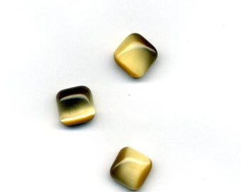 Cat's eye cabochon square 8 x 8 mm - beige