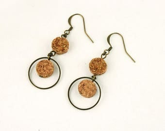 Upcycled cork earings BORDEAUX. Recycled cork jewelry. Beige dangle & drop earrings. Original St. Valentin's gift for her. Vegan jewelry