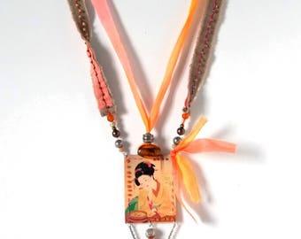 textile jewelry: necklace image /geisha orangish/Japan