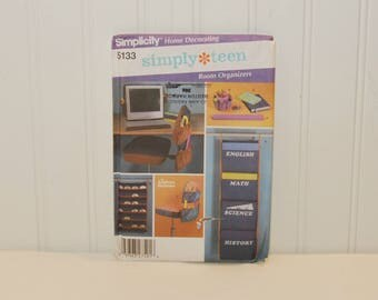 Simplicity 5133, Home Decorating, Simply Teen Room Organizers, Designed by Andrea Schewe (c. 2004) Paper Organizer, CD Pocket Holder & More